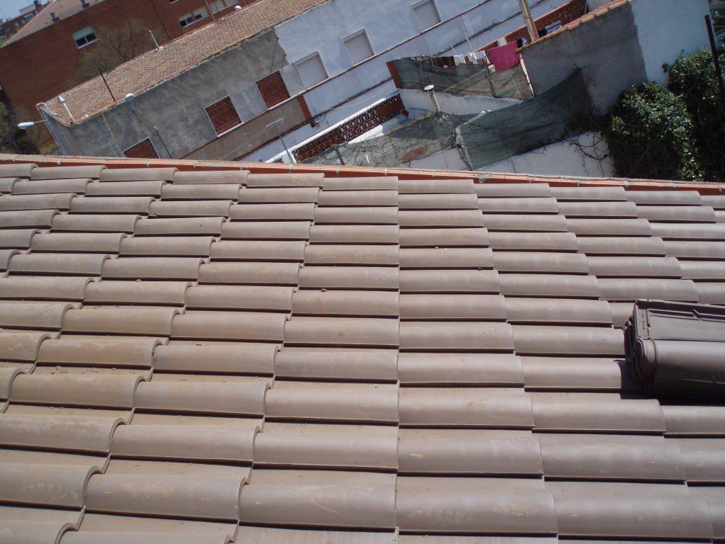 Cubiertas de teja de cer mica mixta grupo cubrian - Cubiertas vegetales para tejados ...